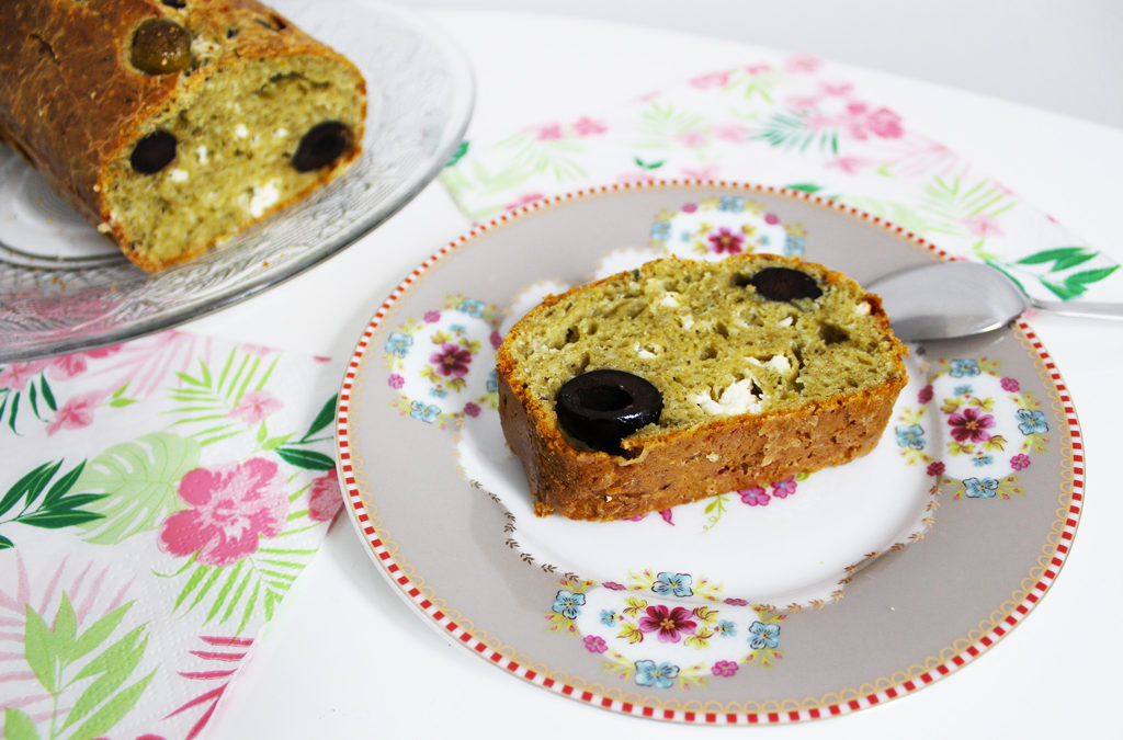 Cake au chanvre, olives et emmental